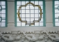 Particolari lucernaio in vetro a piombo con inserti in alabastro e stucchi decorativi