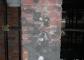 Intonaco sgraffito del pilastro d'angolo a destra dopo il restauro