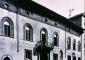 La facciata della Casa Fontana Silvestri dopo il restauro Reggiori, 1961