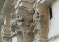 Particolare: capitello in pietra d'angera dopo i restauri