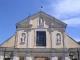 La parte alta della facciata prima del restauro