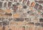Particolare della muratura cinquecentesca in cotto: è evidente la consistente patina nera che alterava il cromatismo originale