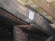 La copertura dal sottotetto durante i lavori: il manto di coppi è stato posato sullo scempiato di tavole con interposta guaina, alcuni travetti sono stati sostituiti
